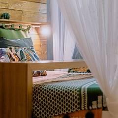Спальня 25 м²: Спальни в . Автор – Студия дизайна интерьеров Екатерины Дозмолиной,