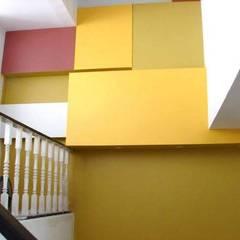 Renovation :  Walls by UpMedio Design