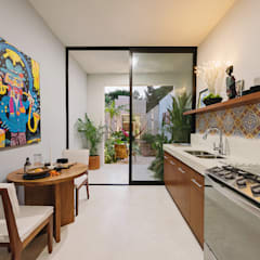 Small kitchens by Workshop, diseño y construcción, Modern