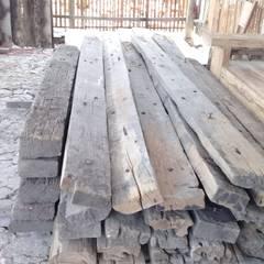 kayu jati korosi: Pusat Perbelanjaan oleh Jati mulya indah,