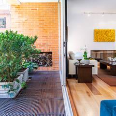 Appartement à Bogota - Colombie: Terrasse de style  par Catalina Castro Blanchet ,