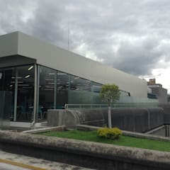 Event venues by Arquitecto Rafael Balbi , Modern