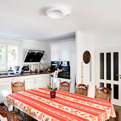Cocinas equipadas de estilo  por Müllers Büro