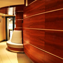 Swaziland Revenue Authority Waiting Area:  Corridor & hallway by Durban Shopfitting & Interiors