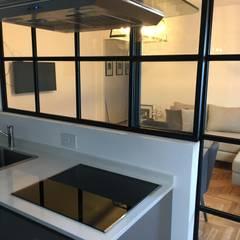 Reforma Olleros: Cocinas pequeñas de estilo  por Estudio Qpi ,Moderno Hierro/Acero