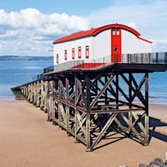 The Old Tenby Lifeboat Station:  Roof by Natralight, Modern