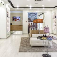 Бутик Mila Moda: Офисы и магазины в . Автор – Архитектурная студия 'Арт-Н',