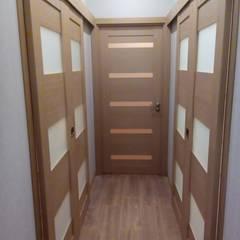 Puertas corredizas de estilo  por ГЕОНА.