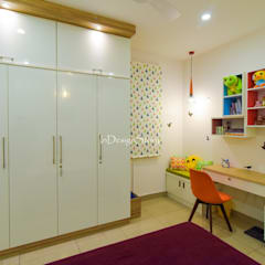 Kids room with Study table :  Small bedroom by InDesign Story