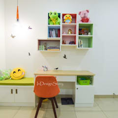 Kids room Study Table :  Small bedroom by InDesign Story