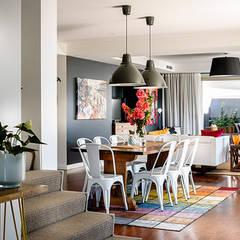 Contemporary Villa:  Dining room by Design Concept creative studio