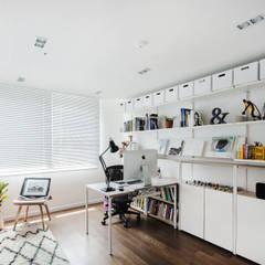 Study/office by FLIP (플립) 디자인 스튜디오