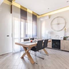 Salas / recibidores de estilo  por Facile Ristrutturare