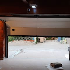 Prefabricated Garage by Breeze House,