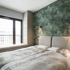 Dormitorios de estilo  por KODO projekty i realizacje wnętrz