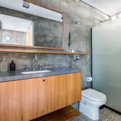 : Banheiros  por INÁ Arquitetura