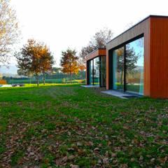 กระท่อมไม้ by GomesAmorim Arquitetura