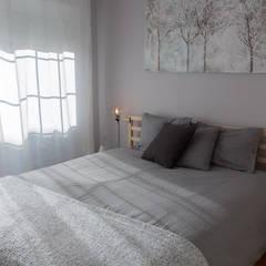 EL PISO DE MAYA Y SERGIO: Dormitorios de estilo  de KELE voy a hacer