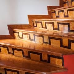 Stairs by CARPINTERIA MASINO
