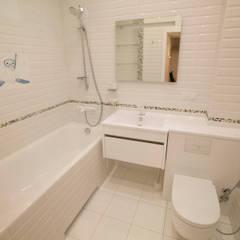 Дизайн квартиры-студии на Фрунзе.: Ванные комнаты в . Автор – Ri-Arte