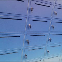 American Airlines - Intervención de lockers de Blow Deco Pics Moderno