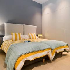 Home Staging de Lujo en Barcelona: Habitaciones juveniles de estilo  de Markham Stagers