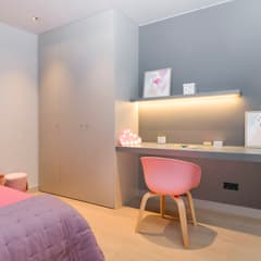 Girls Bedroom by Markham Stagers, Modern