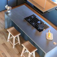 Home Staging en Masía en Girona: Cocinas de estilo  de Markham Stagers