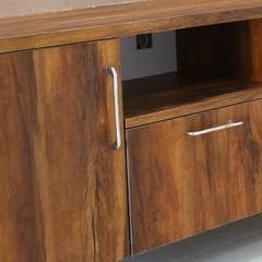 غرفة المعيشة تنفيذ Enrich Interiors & Decors , ريفي