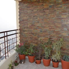 Balcony by Neun Designs Pvt.Ltd.