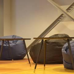 Tujuh Ruang: Ruang Komersial oleh Atelier Ara, Industrial