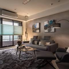 寧靜 Modern Living Room by 鼎士達室內裝修企劃 Modern Solid Wood Multicolored