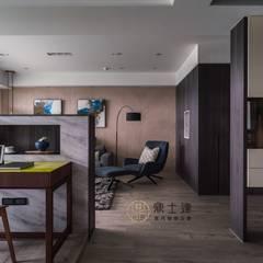 流暢 Modern Corridor, Hallway and Staircase by 鼎士達室內裝修企劃 Modern Limestone