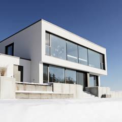 Wohnen in Friedberg :  Einfamilienhaus von PURE Gruppe Architektengesellschaft mbH