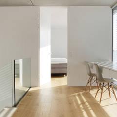 Wohnen in Friedberg :  Esszimmer von PURE Gruppe Architektengesellschaft mbH