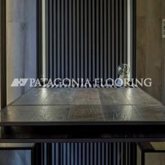 Oficina: Estudios y oficinas de estilo  por PATAGONIA FLOORING