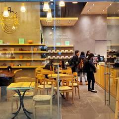 Cacao Nativa Samara: Comedores de estilo  por TML Arquitectos