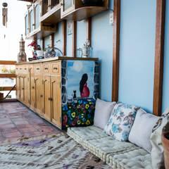 Un Departamento muy Chic!: Terrazas de estilo  por Azul