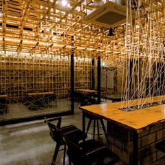전주인테리어-완주군 누에복합문화 카페테리어: 내츄럴디자인컴퍼니의  바 & 카페