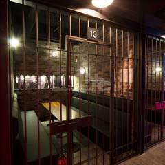 전주인테리어-전주상업공간인테리어 시카고 클럽: 내츄럴디자인컴퍼니의  바 & 카페