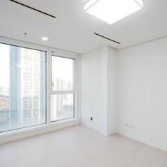 송도 퍼스트월드 골드포인트 모던하우스: 디자인 아버의  방