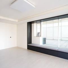 송도 퍼스트월드 골드포인트 모던하우스: 디자인 아버의  침실
