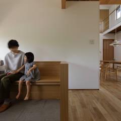 大和町の家: 柳瀬真澄建築設計工房 Masumi Yanase Architect Officeが手掛けた壁です。,