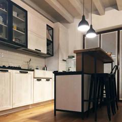 مطبخ ذو قطع مدمجة تنفيذ D.P.R 2 di De Paoli Romano,