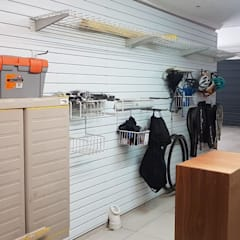 Bespoke Storage for the Garage:  Garage/shed by MyGarage,
