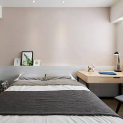 Dormitorios escandinavos de 耀昀創意設計有限公司/Alfonso Ideas Escandinavo