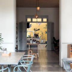 Столовые комнаты в . Автор – Heftye Arquitectura, Колониальный