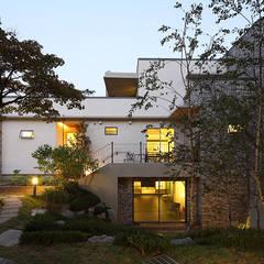 지평 P HOUSE: EAST4 PARTNERS의  전원 주택