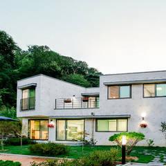 [경기 의왕] 너무 잘 지어서 '샘나는 집': 한글주택(주)의  일세대용 주택,모던