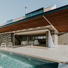 5 Fin Whale Way:  Houses by SALT architects, Minimalist